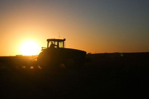 tractor sihloette_01